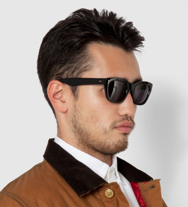 DELUXE Black Matthew Sunglasses