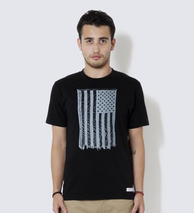 DELUXE Black Star T-Shirt