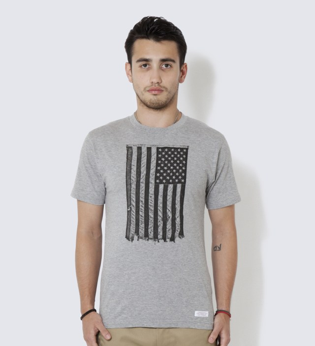 DELUXE Grey Ash Star T-Shirt