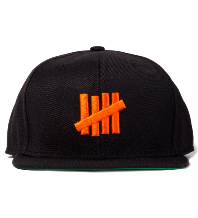 UNDEFEATED Black 5 Strike Snapback Ballcap