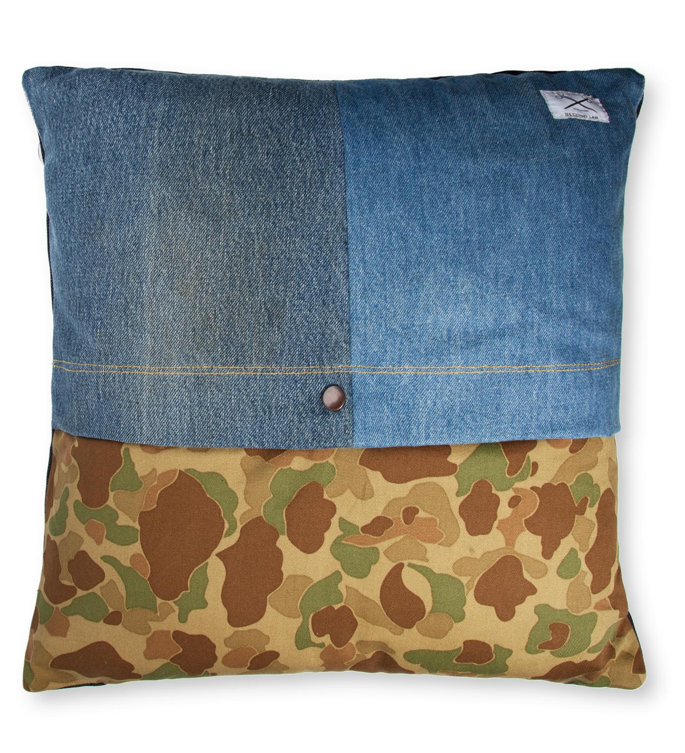 SECOND LAB Duck Hunter Pillow
