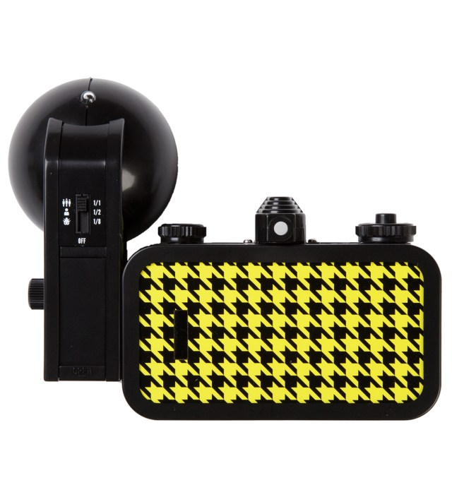 Lomography La Sardina Camera & Flash - Quadrat