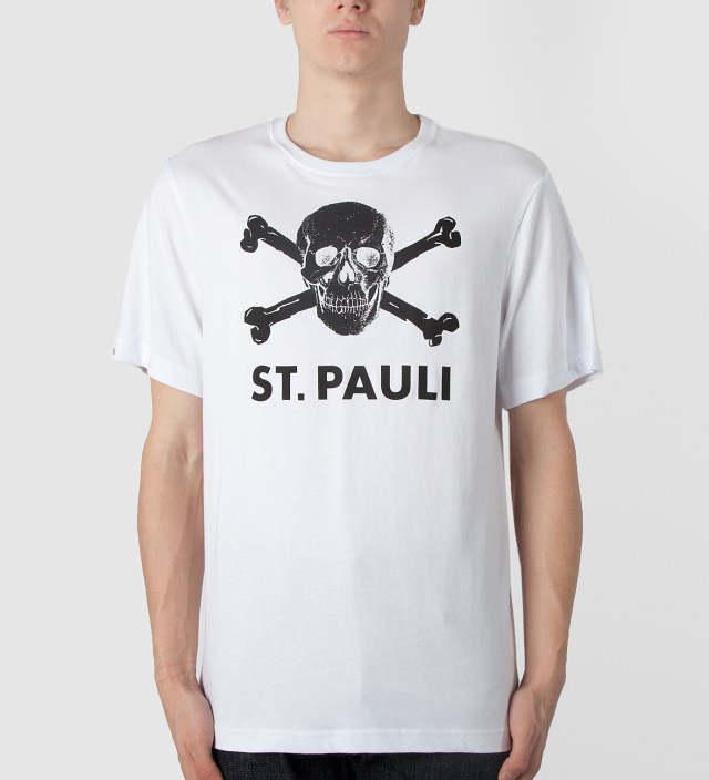 st pauli white large skull logo t shirt hbx. Black Bedroom Furniture Sets. Home Design Ideas