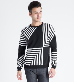 AMH Black/White Zig Zag Sweater Picture