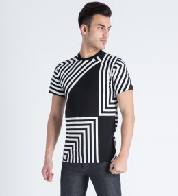 AMH Black/White Zig Zag T-Shirt Picture