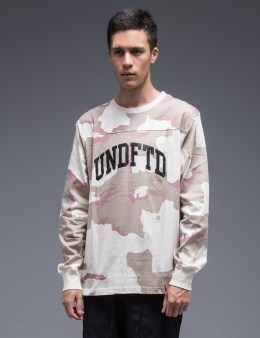 UNDEFEATED Camo L/S Crewneck Sweatshirt Picture