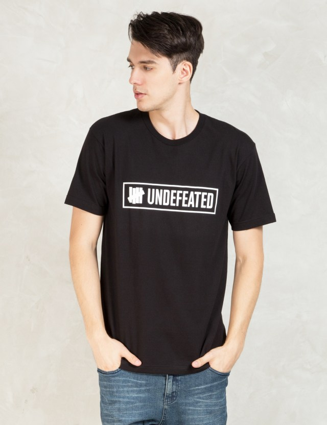 UNDEFEATED Black Outline T-Shirt