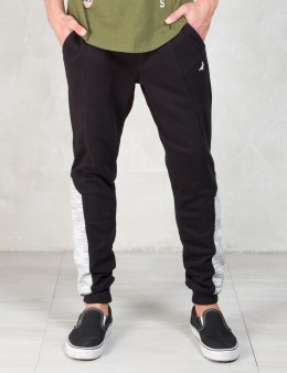 Staple Black Tephra Sweatpants Picture