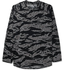 UNDEFEATED Black Camo Technical II L/S T-Shirt Picture