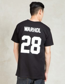 LES (ART)ISTS Black WARHOL28 Football T-Shirt Picture