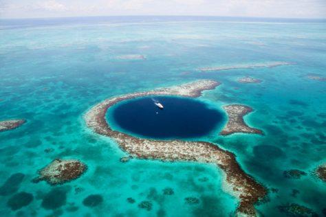 Тайна гибели цивилизации майя: что ученые обнаружили в Большой голубой дыре