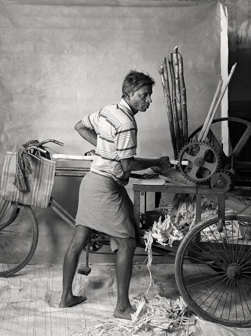 23 исчезающие профессии Индии: сколько получает рикша, кукловод и чистильщик ушей