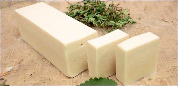 DIY bath products, homemade bath products, homemade soap, make your own shampoo, bath salts, natural bath products