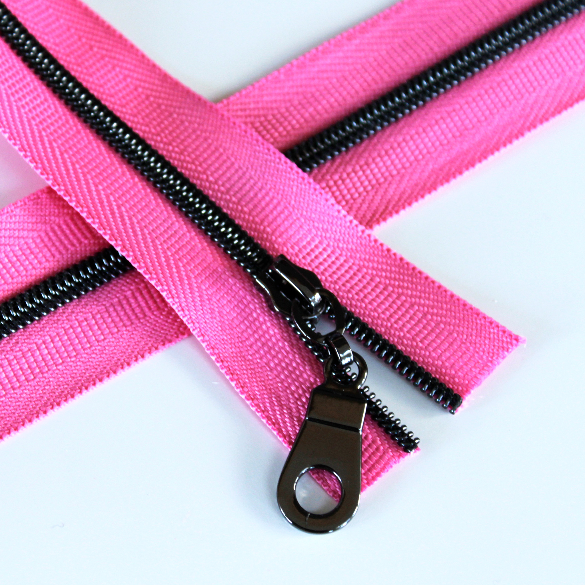 3-Nylon-Coil-Zipper-princess-pink-with-gunmetal-teeth
