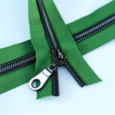 5-Nylon-Coil-Zipper-grass-green-with-gunmetal-teeth