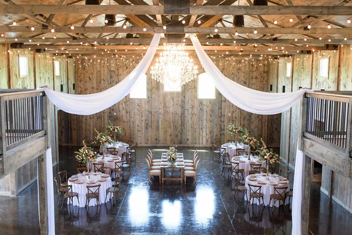rustic iowa wedding venue