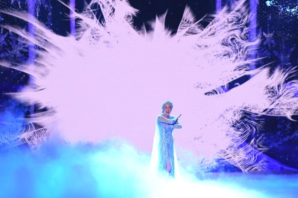 Frozen 2 Teaser Trailer Offers First Look At Disneys