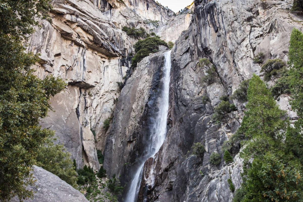 Lower Yosemite Fall - My Favorite Hike at Yosemite National Park #vezzaniphotography
