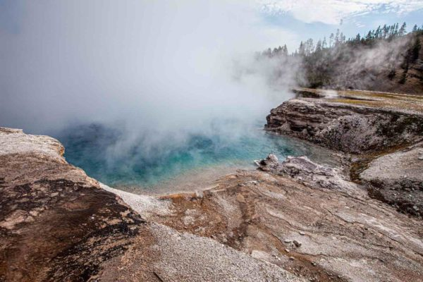 Yellowstone National Park Screensaver and Desktop Images Midway Geyser Basin