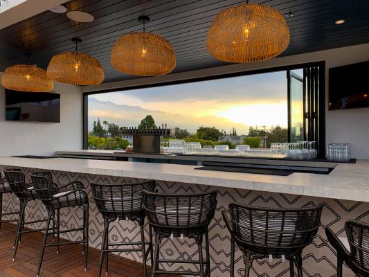 best outdoor patio bars in pasadena for