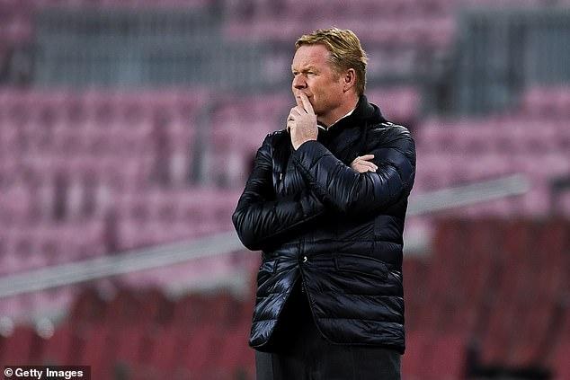El técnico del Barcelona, Ronald Koeman, ha negado las sugerencias de disturbios en la plantilla en el club