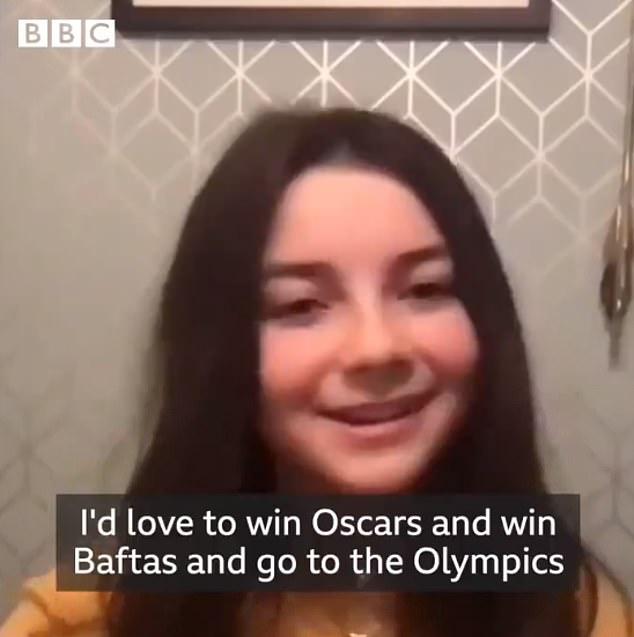 'Quiero ganar un Oscar y una medalla de oro olímpica': la estrella de Wonder Woman 1984, Lilly Aspell, de 13 años, le dijo a BBC Breakfast el jueves sus grandes ambiciones: interpreta a una joven Diana.