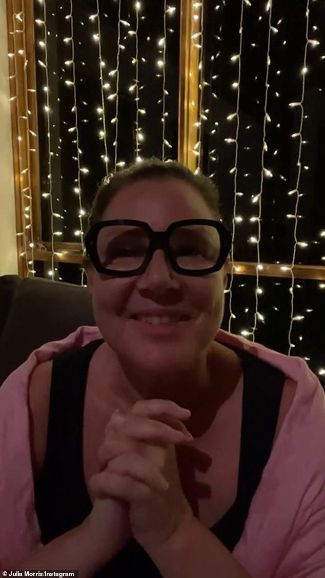 ¡Orgulloso como un puñetazo!  La presentadora de televisión Julia Morris, de 52 años, explicó que admira a los concursantes de esta temporada en Soy una celebridad ... ¡Sácame de aquí!