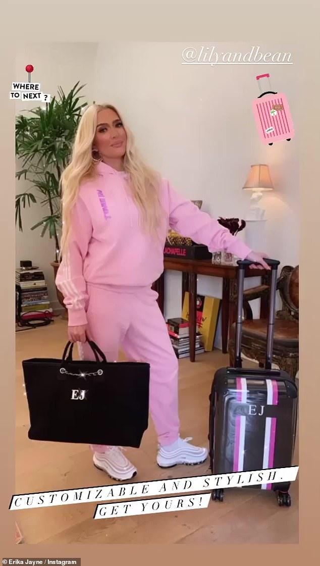 ¡Consiga el suyo!  Erika Jayne ha comenzado a vender bolsos de su cuenta de Instagram ya que, según los informes, su situación financiera empeora en medio de su divorcio de Tom Girardi.