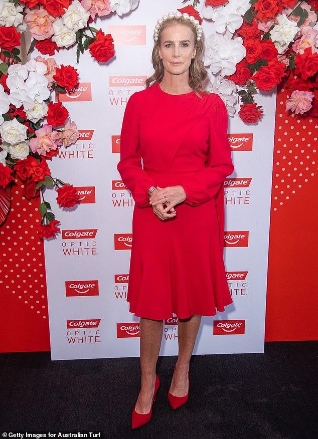 Cambios: Rachel Griffiths saltó a la fama en la comedia romántica australiana de 1994, Muriel's Wedding.  Mirándose a sí misma en ese papel icónico hace 27 años, la mujer de 52 años dice que se maravilla con su forma delgada en el pasado.  Fotografiado en 2019