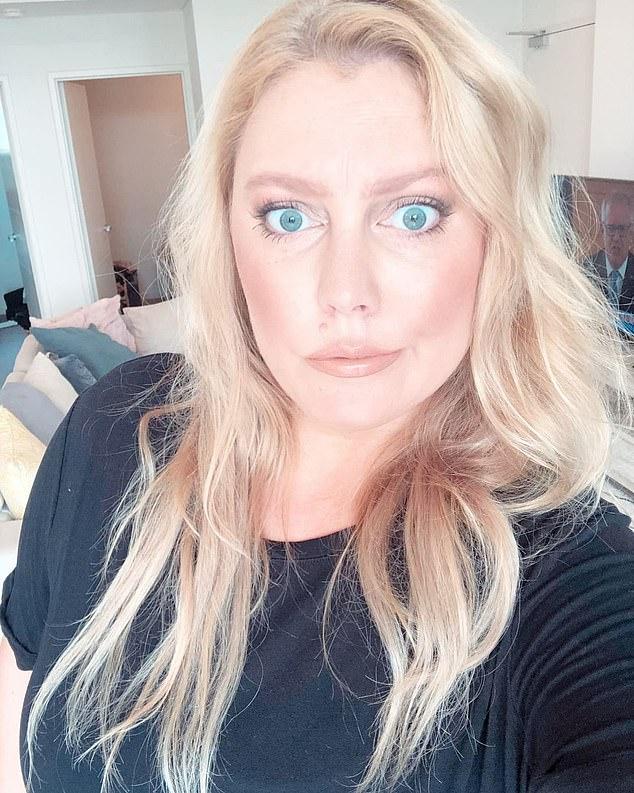 'Tratar de ser delgada es agotador': el presentador de radio Mel Greig (en la foto) tiró su caja de 'ropa delgada' después de admitir que es poco probable que alcance su peso objetivo de 68 kg