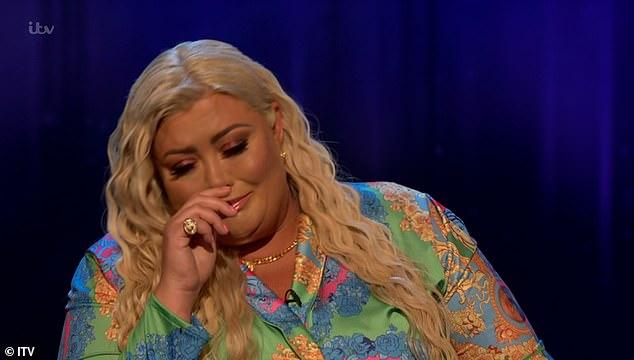 Emocional: Gemma reveló que se sentía suicida cuando las batallas de su novio intermitente James Argent con la adicción a las drogas destruyeron su relación a fines de 2019.