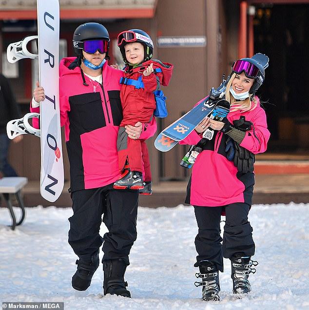 Tiempo en familia: Spencer Pratt y Heidi Montag se dirigieron a las colinas nevadas de California para disfrutar un poco de esquí con su hijo Gunner Stone de tres años en Lake Tahoe el jueves.