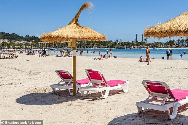 El ministro de Turismo de España ha alimentado las esperanzas de que los británicos puedan irse de vacaciones este verano con