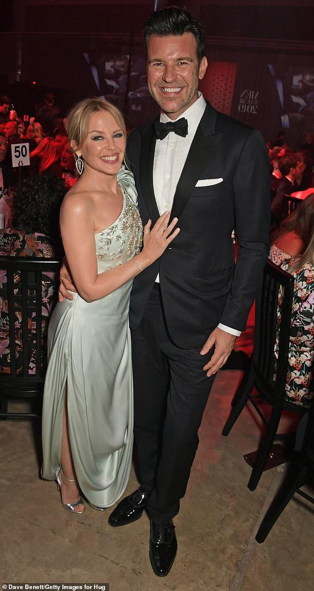 'Cuando se case, será en su amada ciudad natal': se dice que Kylie Minogue, de 52 años, planea casarse con su prometido, Paul Solomons, de 46, en una lujosa ceremonia en Melbourne.