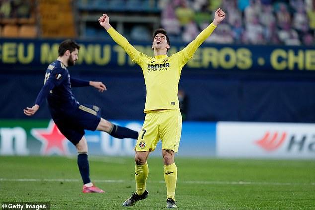 Gerard Moreno celebra tras ayudar al Villarreal a alcanzar las semifinales de la Europa League