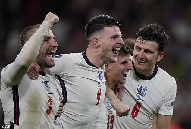 Jamie Carragher cree que Inglaterra vencerá a Italia en los penaltis en la final de la Euro 2020 el domingo