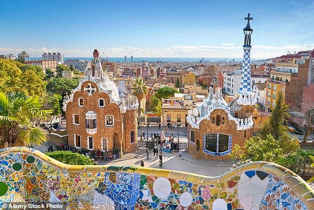 Maravilla modernista: el Parque Güell de Barcelona, diseñado por Antoni Gaudi