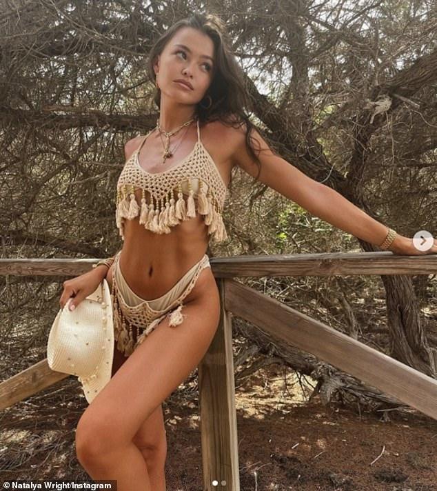 Estado mental de vacaciones: Natalya Wright (en la foto), de 21 años, exhibió su cuerpo de bikini en un atrevido conjunto de crochet en una publicación de Instagram el martes, mientras continúa compartiendo instantáneas idílicas de las festividades de la despedida de soltera salvaje de la hermana Jess en Ibiza, España. el fin de semana