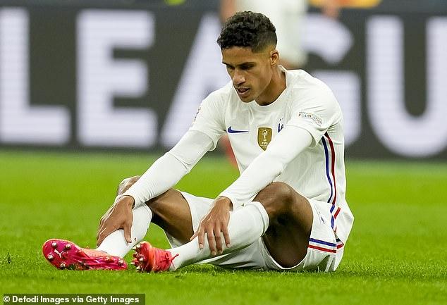 Raphael Varane salió lesionado en la victoria de Francia sobre España en la final de la Nations League