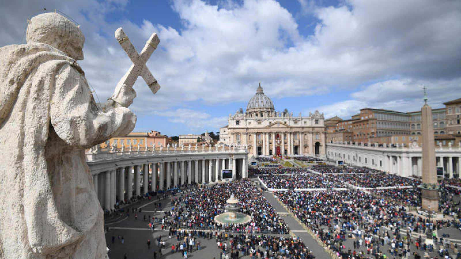 Detectaron un primer caso de coronavirus en el Vaticano