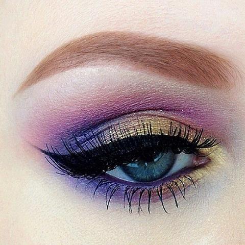 Purple Gold Eyeshadow 2033202