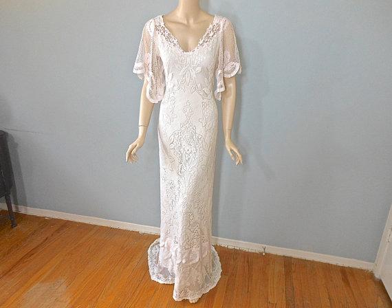 ROMANTIC Lace Wedding Dress BOHEMIAN Wedding Dress