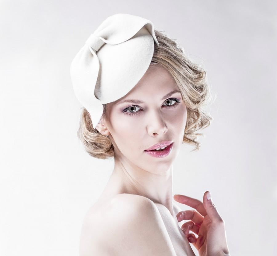 White Bow Headpiece Womens Accessories Cocktail