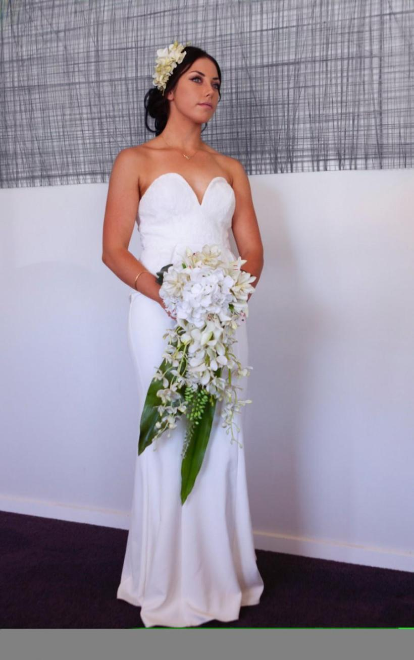 How To Make A Cascading Wedding Bouquet With Silk Flowers ...