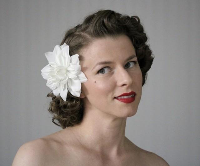 White Hair Flower Floral Fascinator Vintage Headpiece