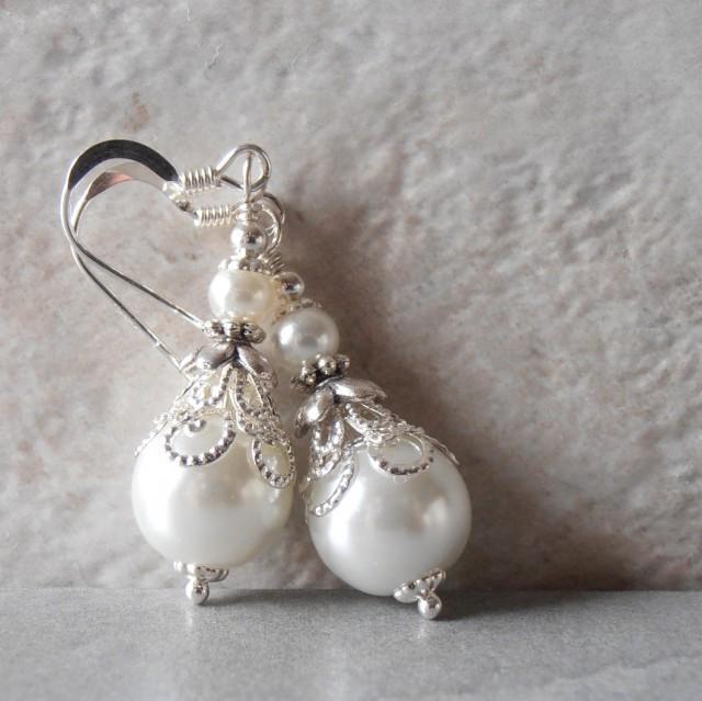 White Pearl Earrings Pearl Bridal Earrings Beaded Wedding