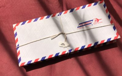 A packet of air mail envelopes