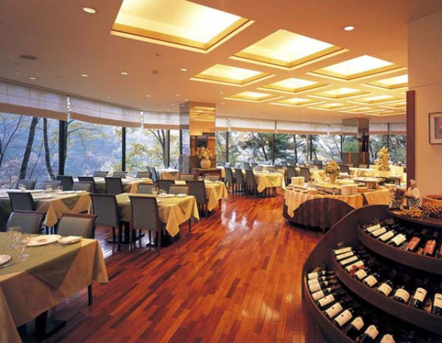 photo by レストラン|鬼怒川でのリゾートホテル宿泊ならホテルハーヴェスト鬼怒川|【公式サイト】ホテルハーヴェスト