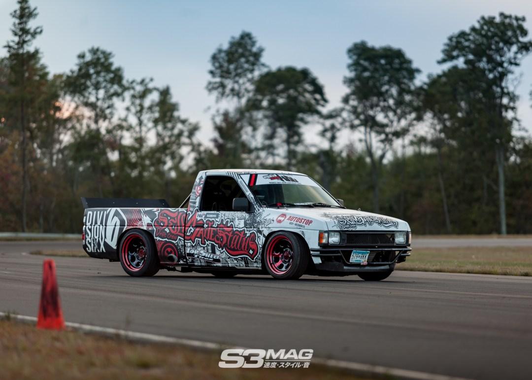 nissan-hardbody-drift-truck-s3-magazine-3