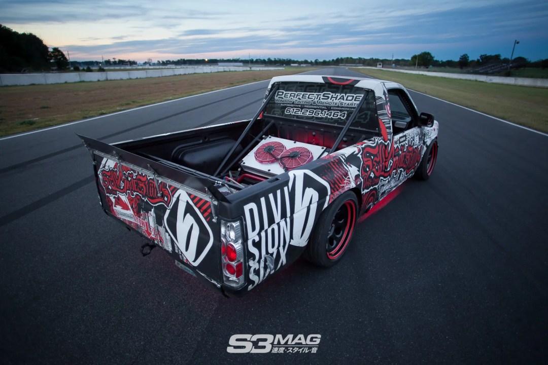 nissan-hardbody-drift-truck-s3-magazine-7